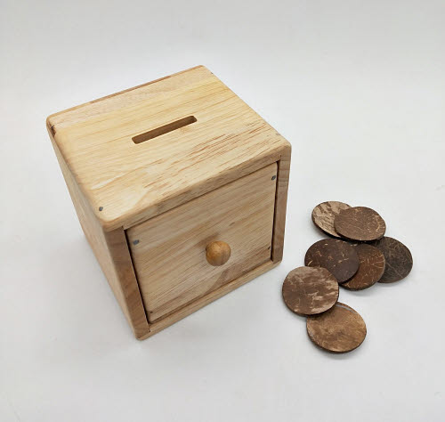 Post Box with Disc in Solid Natural Timber - Post Box with Disc in Solid Natural Timber